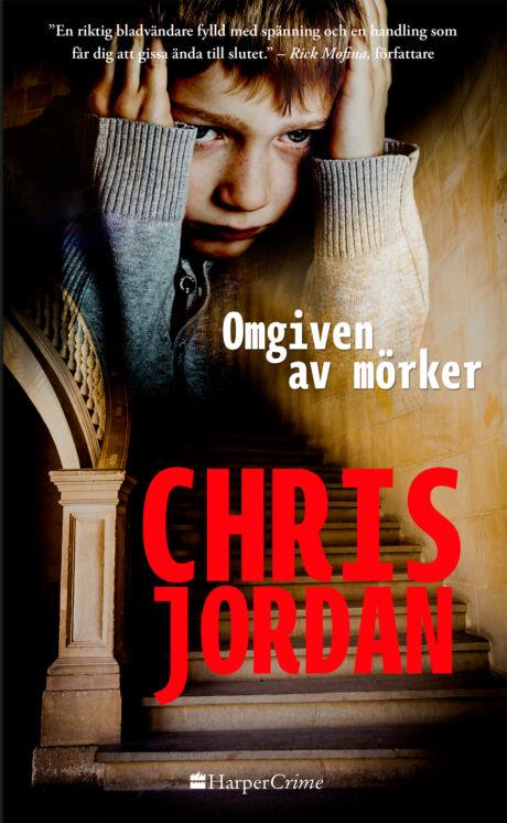 Harpercollins Nordic Omgiven av mörker